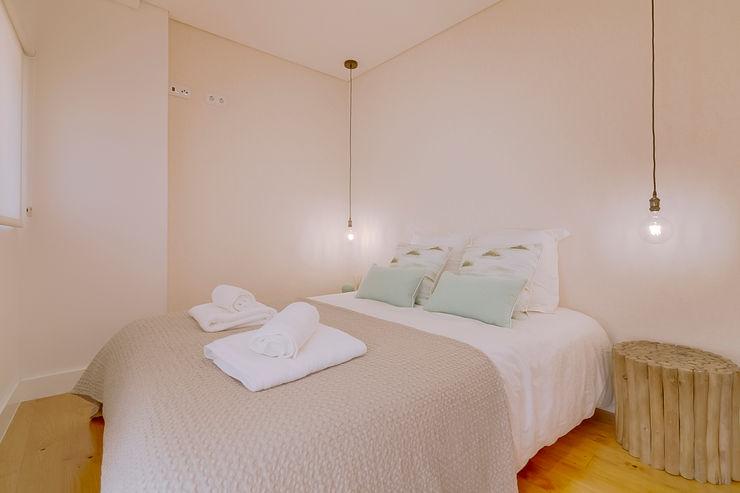 Ivo Santos Multimédia Moderne Schlafzimmer