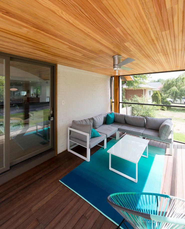 Courtyard House ARCHI-TEXTUAL, PLLC Modern Terrace