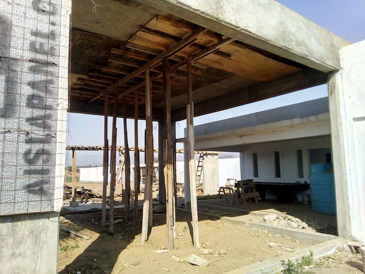 Construcción de la sala comedor Variable Salones modernos Concreto reforzado Multicolor