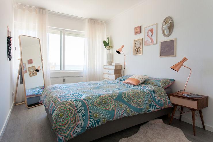 Traço Magenta - Design de Interiores Dormitorios de estilo moderno