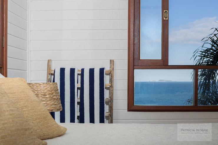 Patrícia Nobre - Arquitetura de Interiores Mediterranean style bedroom White