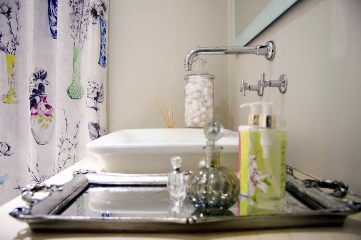 House Couture Interior Design Studio Classic style bathroom