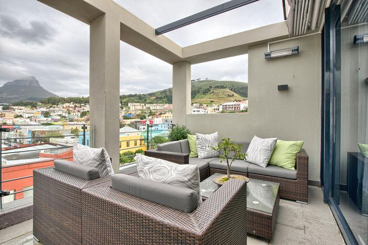 House Couture Interior Design Studio Eclectic style balcony, veranda & terrace