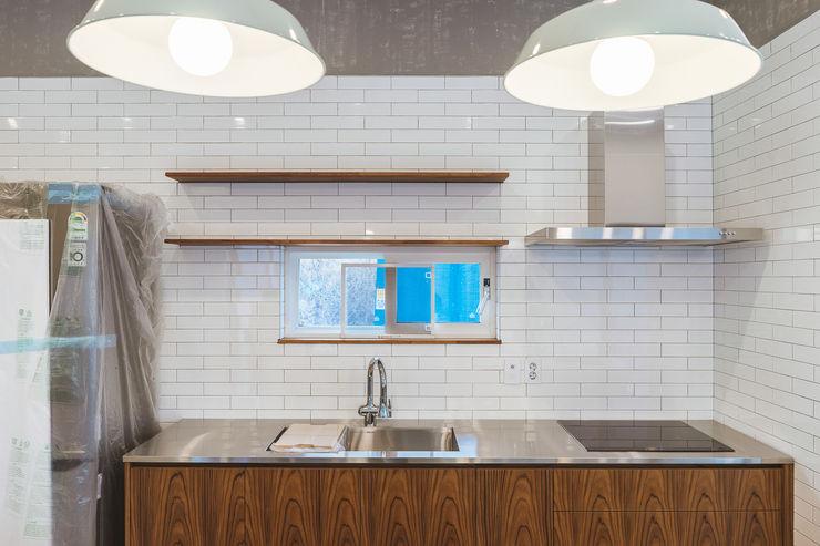 AAPA건축사사무소 Cocinas de estilo moderno