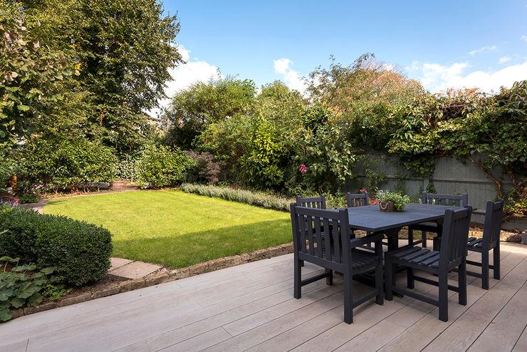 Victorian Conversion Corebuild Ltd Minimalistischer Garten