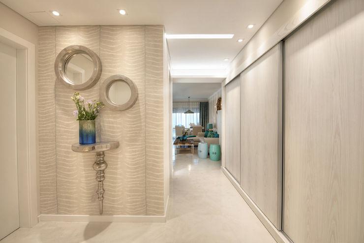 CORE Architects Pasillos, vestíbulos y escaleras de estilo moderno