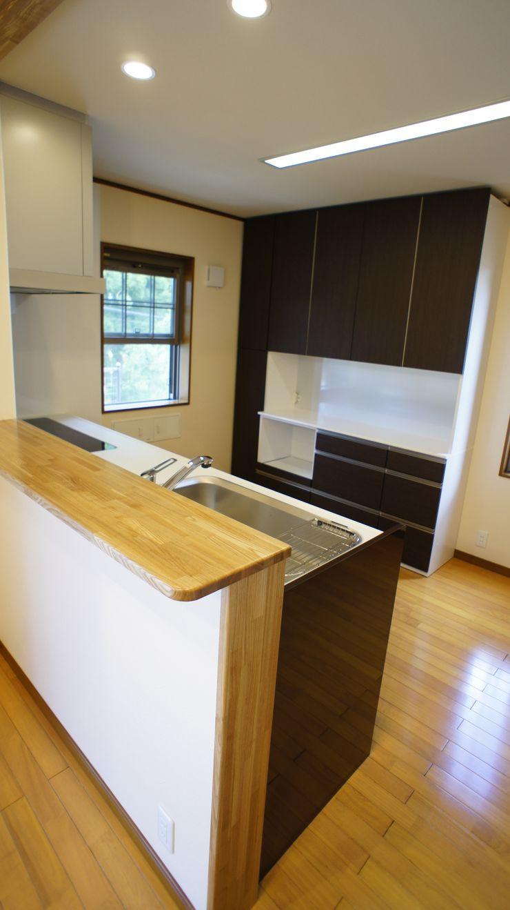 S邸 マルモコハウス Moderne Küchen