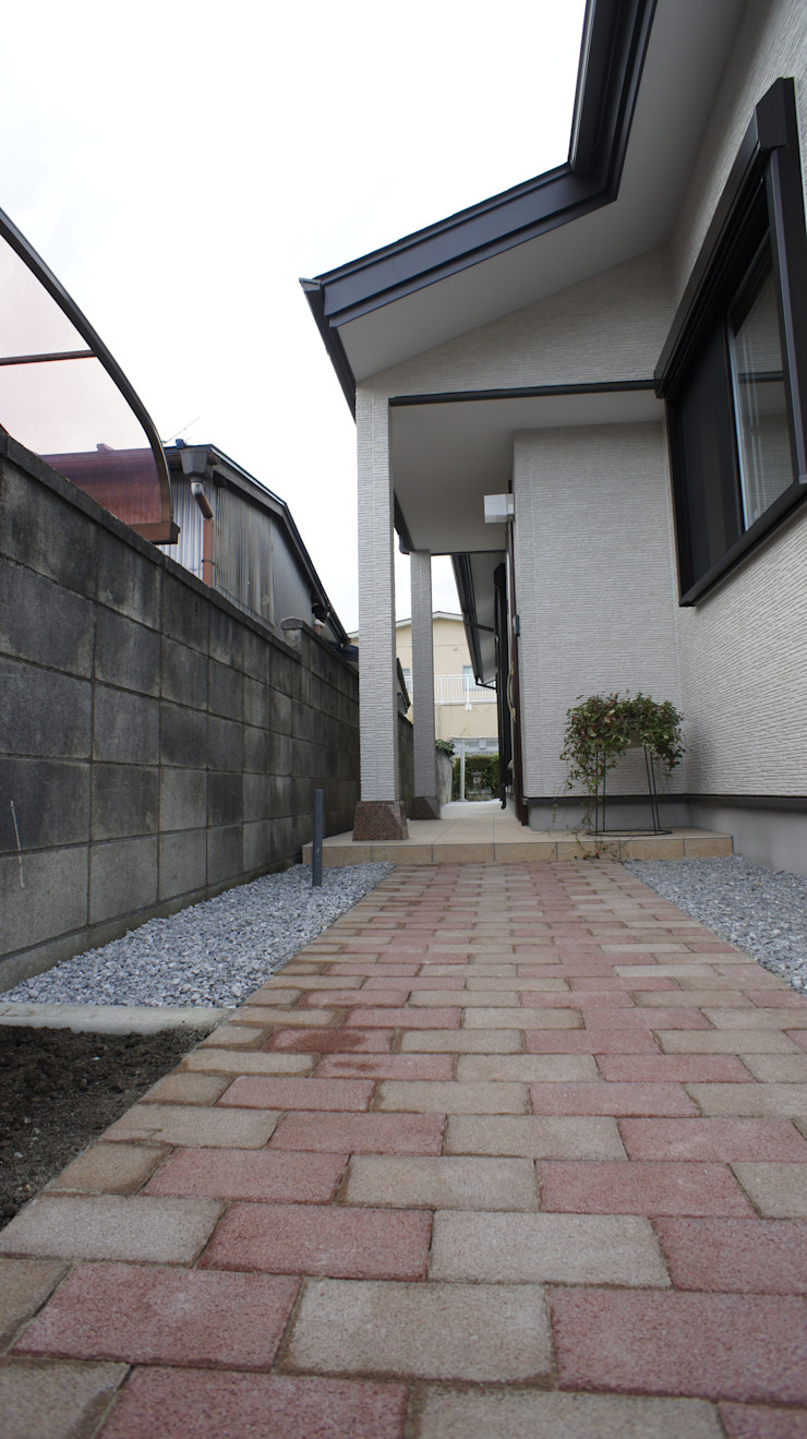 SK邸 マルモコハウス Moderne Häuser
