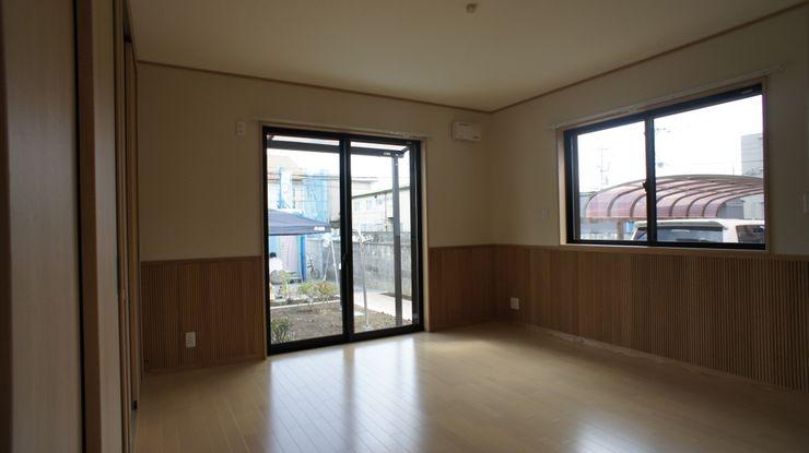 SK邸 マルモコハウス Moderne Wohnzimmer