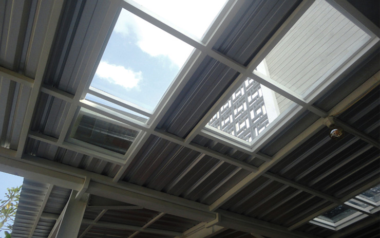 Atap transparan tempered glass studioindoneosia Atap Kaca Metallic/Silver