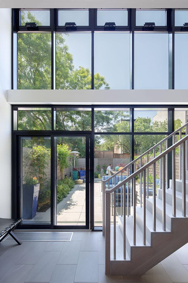 Carroll Gardens Townhouse andretchelistcheffarchitects Modern Windows and Doors