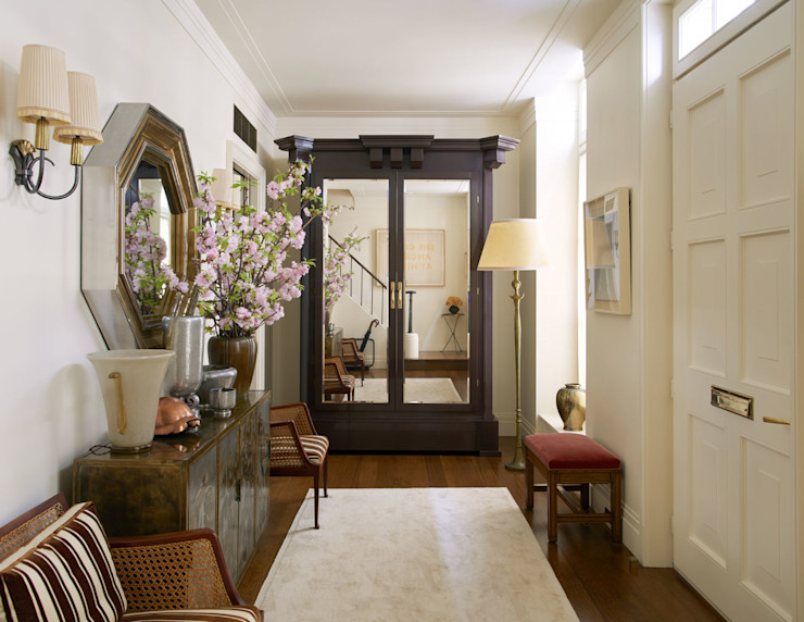 West Village Townhouse andretchelistcheffarchitects Classic style corridor, hallway and stairs