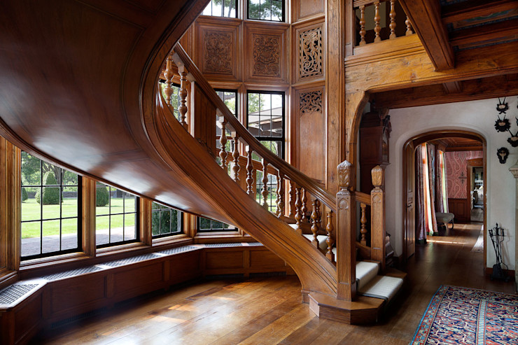 Round Hill Estate andretchelistcheffarchitects Eclectic style corridor, hallway & stairs
