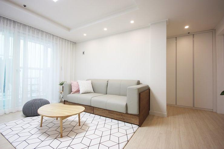 광장동 32평 내츄럴 홈스타일링 homelatte 미니멀리스트 거실