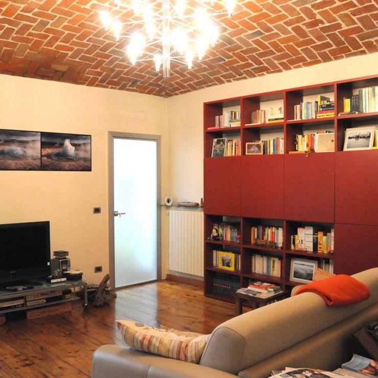 Appartamento A+M ArchitetturaTerapia® Soggiorno moderno