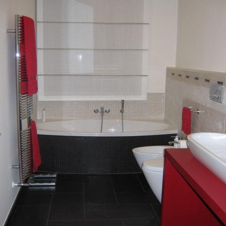 Appartamento A+M ArchitetturaTerapia® Bagno moderno