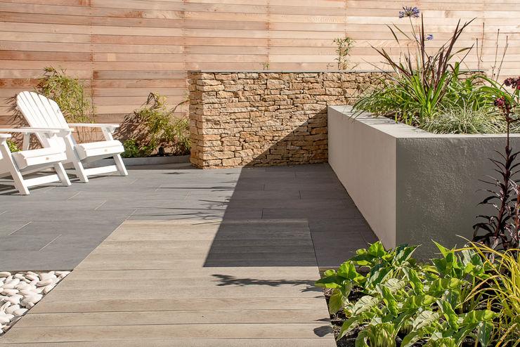 A Contemporary garden in Wales Robert Hughes Garden Design حديقة