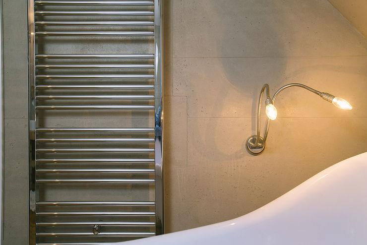 Fugenloses Bad Ulrich holz -Baddesign Moderne Badezimmer