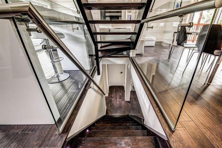 Elderfield Cres Contempo Studio Modern Corridor, Hallway and Staircase