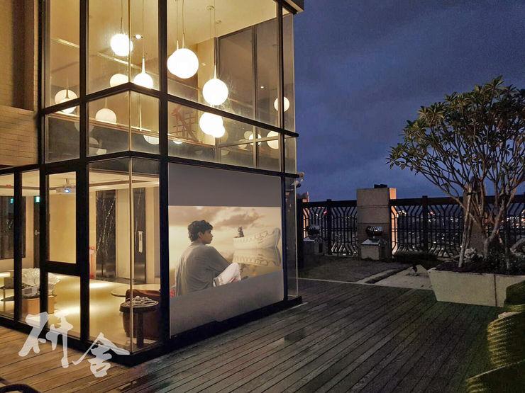研舍設計股份有限公司 Modern balcony, veranda & terrace