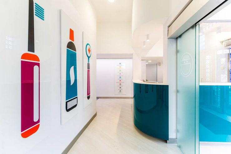 reception studio dentistico ADIdesign* studio Cliniche moderne