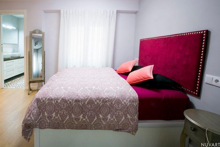 CAMA DORMITORIO NUVART Dormitorios de estilo ecléctico