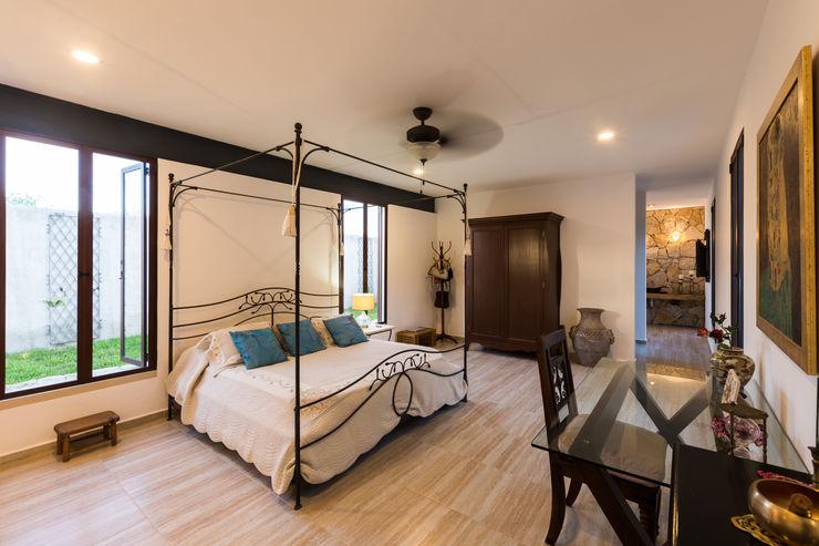 Cetina y Ancona Arquitectos Mediterranean style bedroom