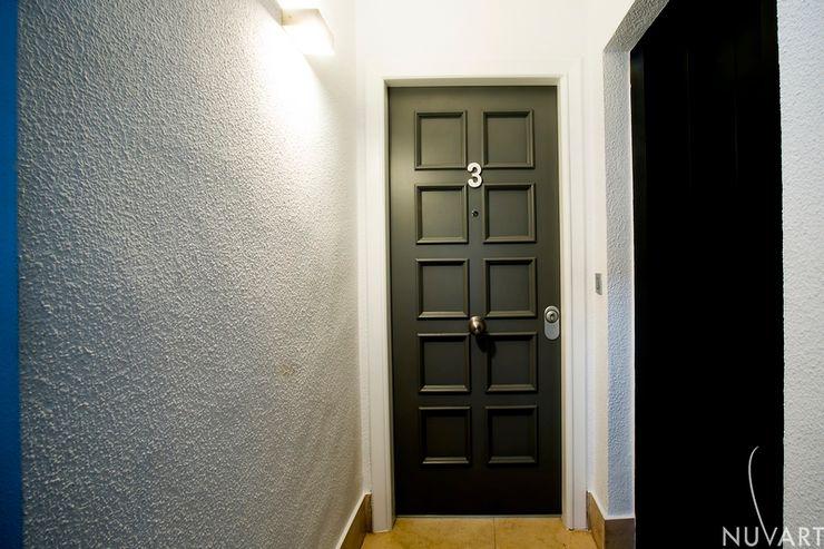Vivienda Vila-Real NUVART Pasillos, vestíbulos y escaleras de estilo mediterráneo