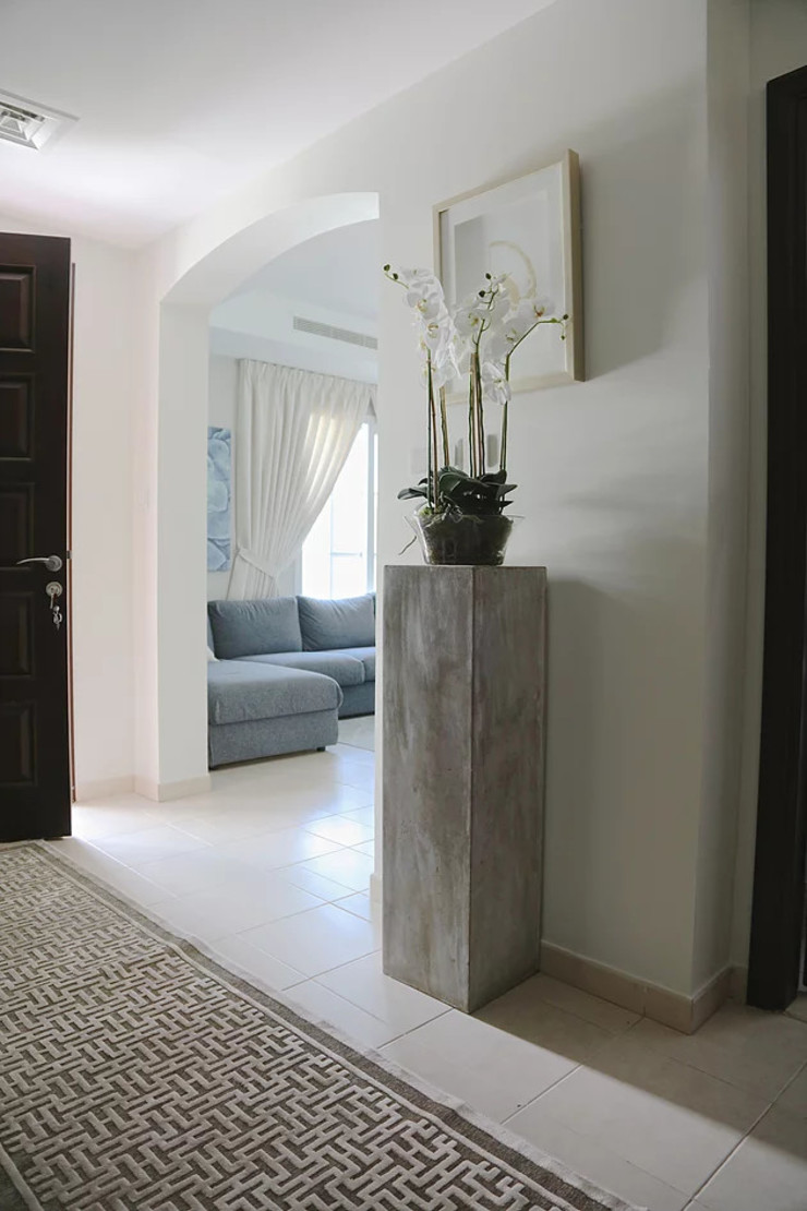 Alma Home Harf Noon Design Studio Eclectic style corridor, hallway & stairs