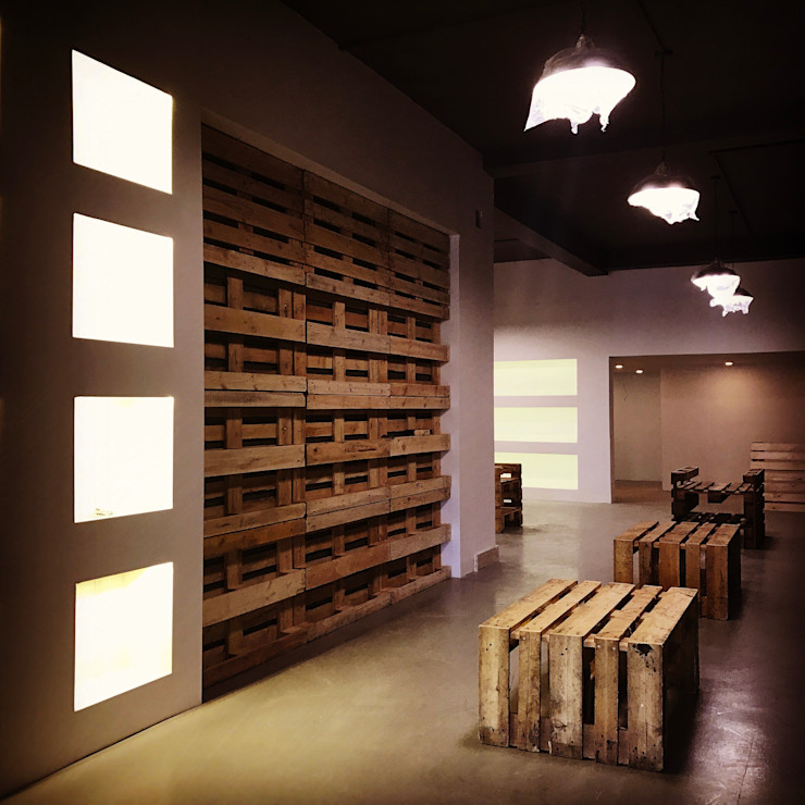Studio illiano&partners Minimalist offices & stores