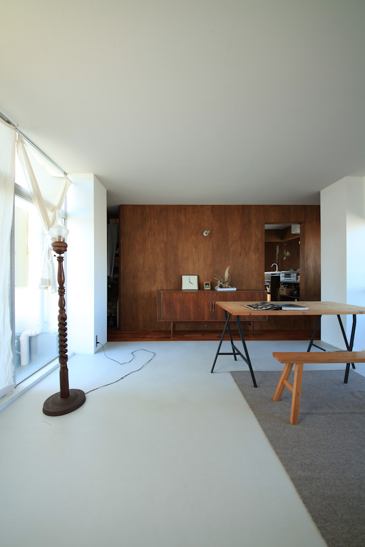 の ざ き 設 計 Salones de estilo minimalista
