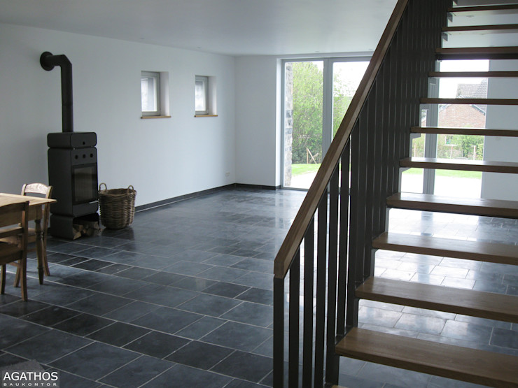 Neubau eines Einfamilienhauses Raeren/ Belgien Architekturbüro Sutmann Moderne Wohnzimmer