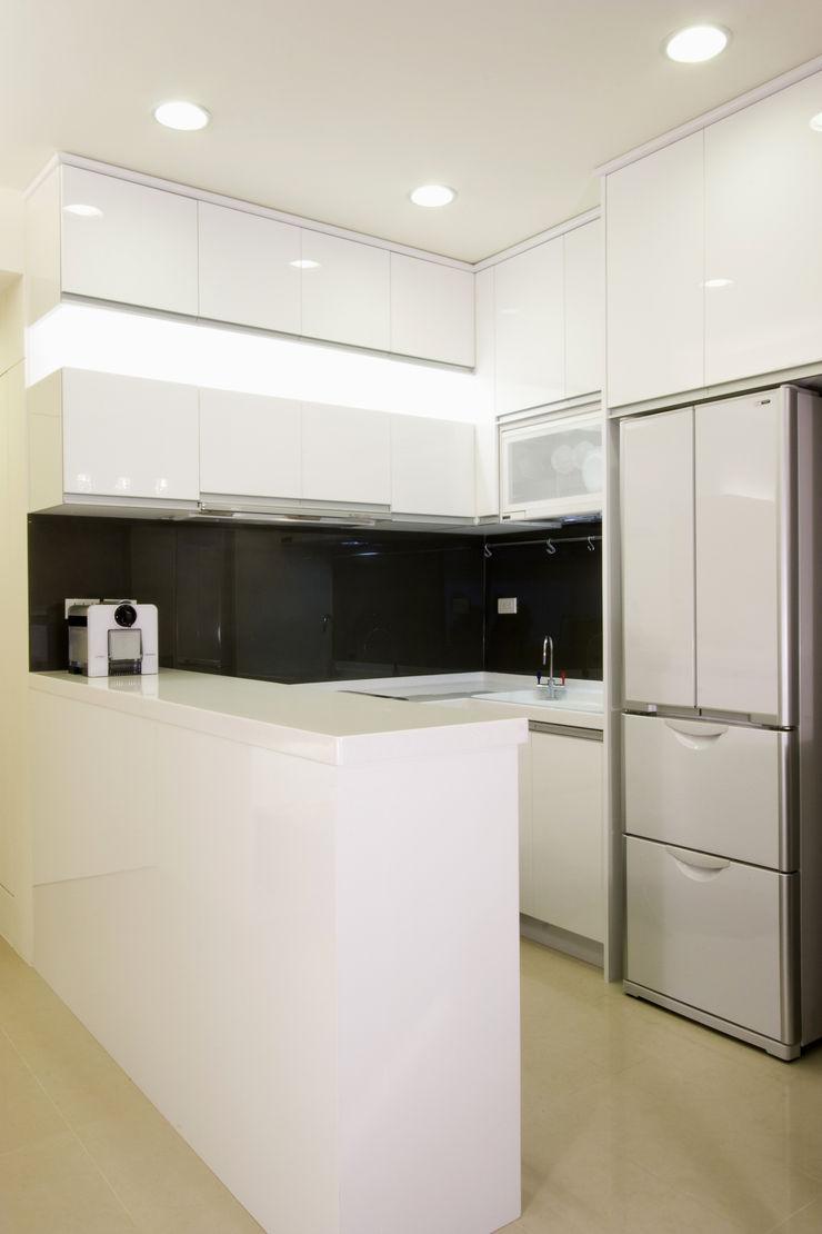 廚房 Hi+Design/Interior.Architecture. 寰邑空間設計 Kitchen