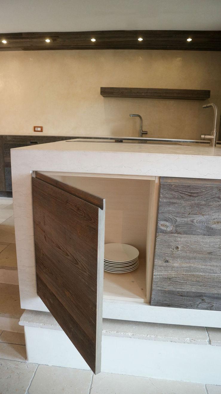 Design and functionality in your kitchen RI-NOVO CucinaContenitori & Dispense Legno Bianco