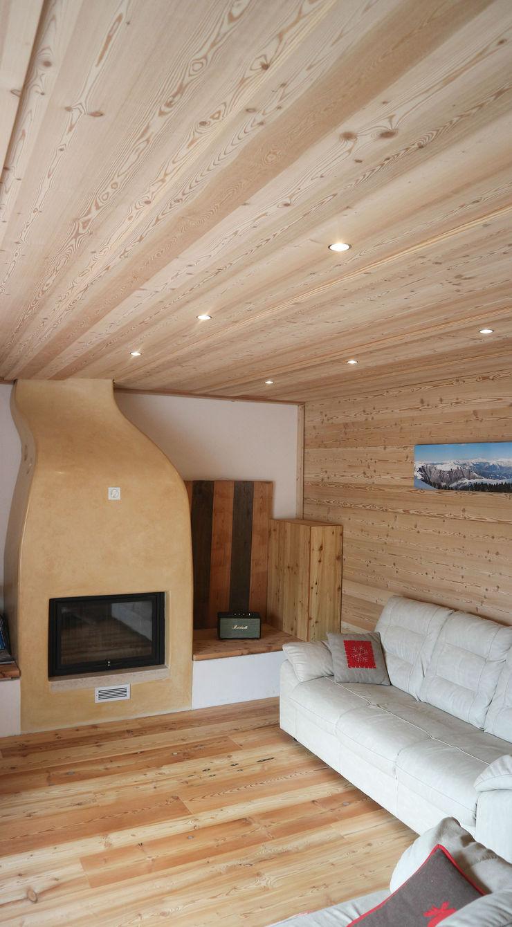 Design and functionality in your kitchen RI-NOVO SoggiornoCamini & Accessori Legno Marrone