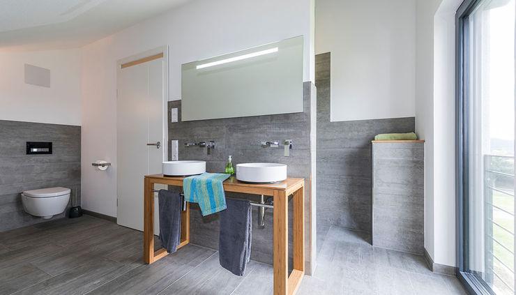 KitzlingerHaus GmbH & Co. KG Modern Bathroom Grey