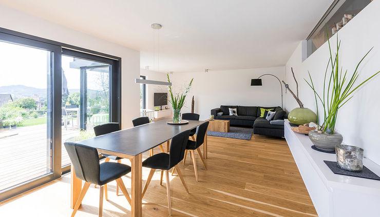 KitzlingerHaus GmbH & Co. KG Modern Living Room