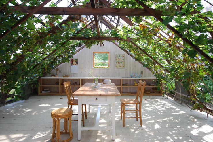 神家昭雄建築研究室 Asian style conservatory Wood Green