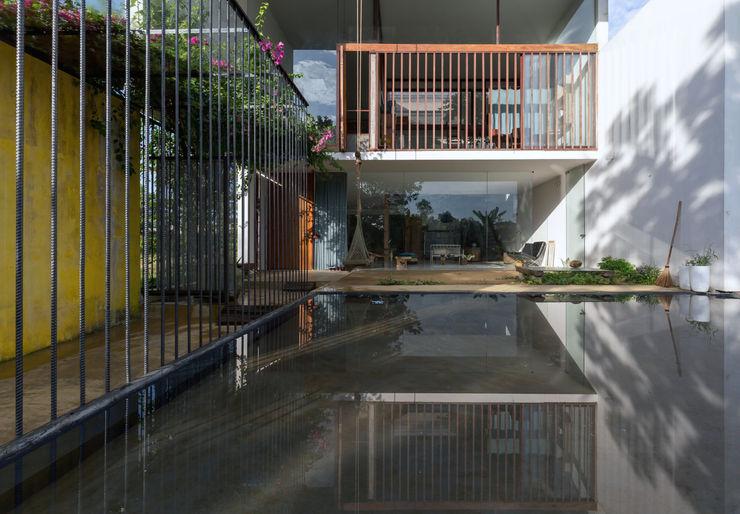 MA HOUSE GERIRA ARCHITECTS Nhà phong cách tối giản