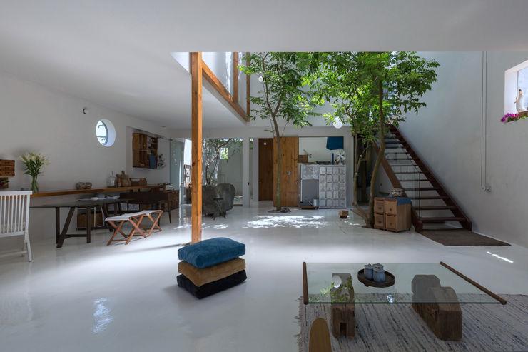 GERIRA ARCHITECTS Minimalist Oturma Odası