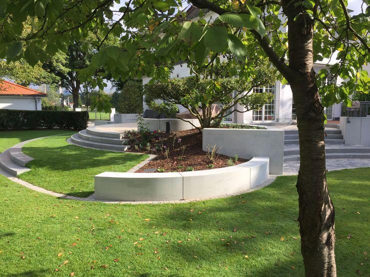 Anbindung des höher liegenden Hauses an den Garten dirlenbach - garten mit stil Ausgefallener Garten