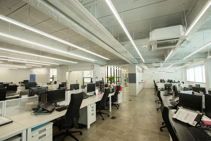 IT solution company 'Brainzsquare'_office interior homify 모던스타일 서재 / 사무실