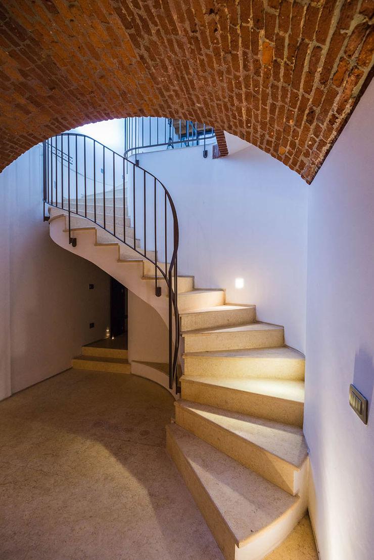 SHOWROOM 26   SPAZIO COMMERCIALE ADIdesign* studio Negozi & Locali commerciali moderni