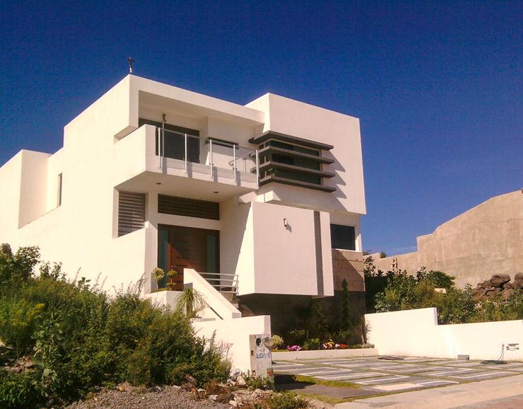 Estilo Homes Minimalist house