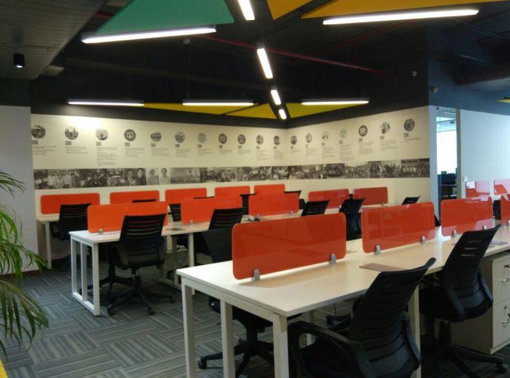 Workstations Ravi Prakash Architect 書房/辦公室 複合木地板 Multicolored