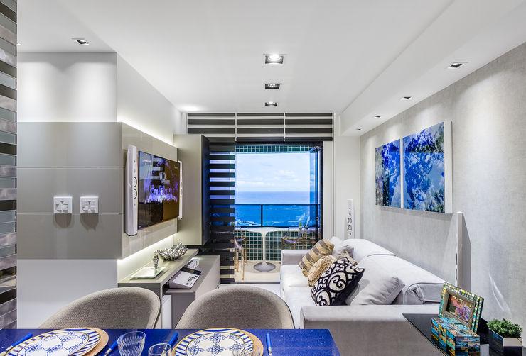 Estar   Home   Varanda Arquitetura Sônia Beltrão & associados Salas de estar modernas Vidro Cinza