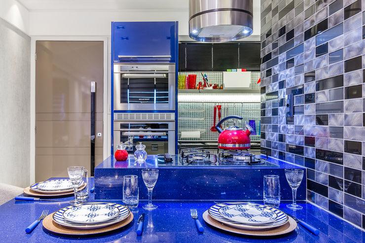 Detalhe Jantar   Cozinha Arquitetura Sônia Beltrão & associados Salas de jantar modernas Pedra Azul
