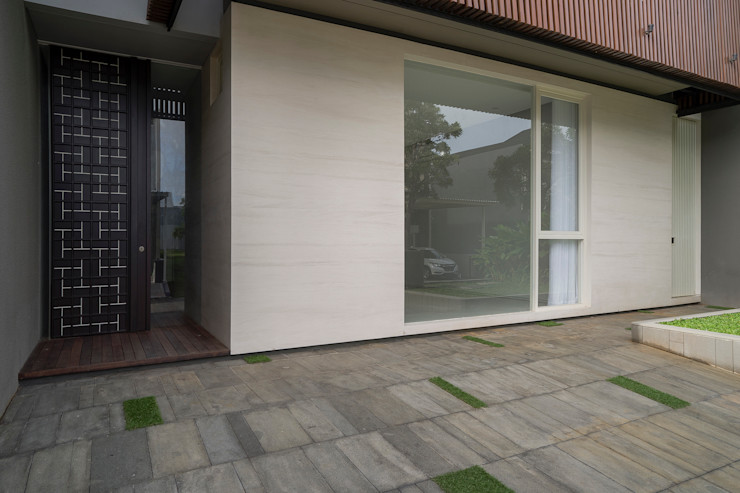 'S' house Simple Projects Architecture Rumah tinggal Batu Beige