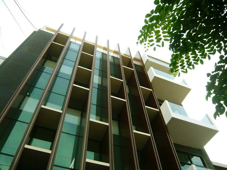 Simple Projects Architecture Moderne Bürogebäude Aluminium/Zink Braun
