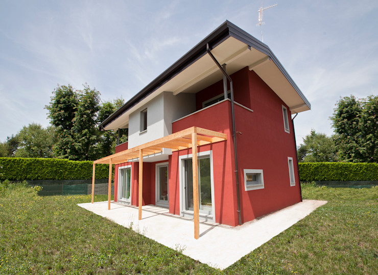 Novello Case in Legno Holzhaus Holz Rot